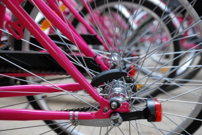 Różowa napędowa. Pierwszy czeski bikesharing